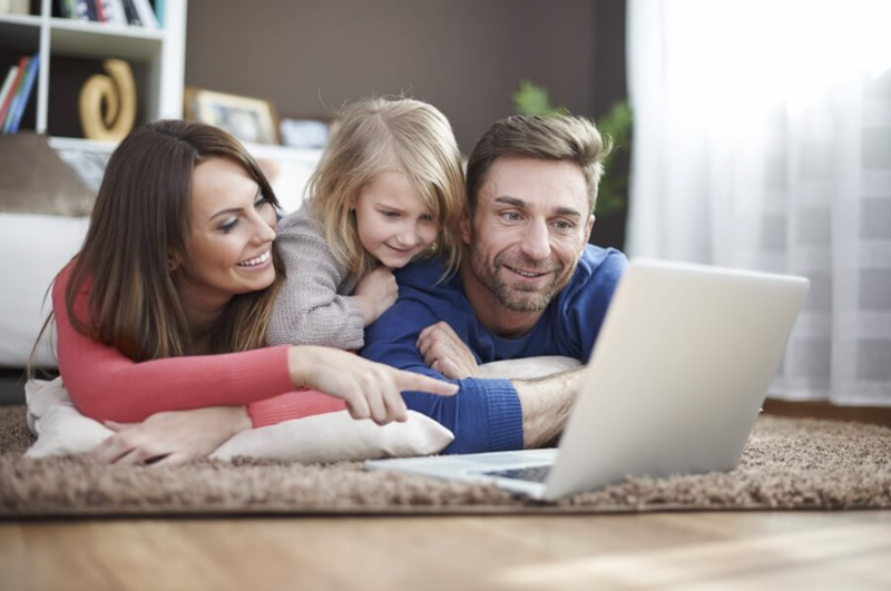 Family using Glimp to find the fastest broadband deals
